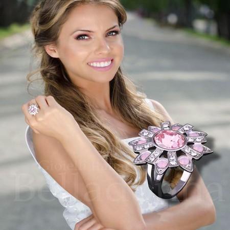 Inel-argintiu-Model-Floricica-cu-pietre-roz-si-albe