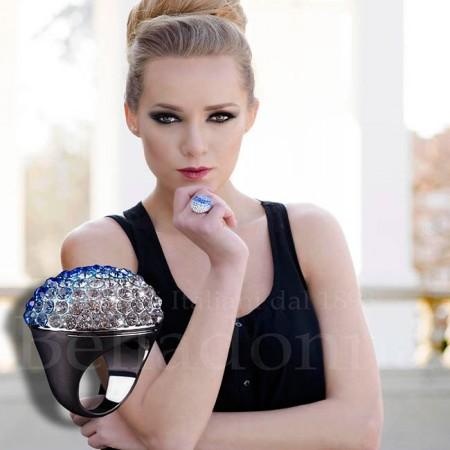 Inel-supradimensional-cu-cristale-swarovski-albastre-si-albe