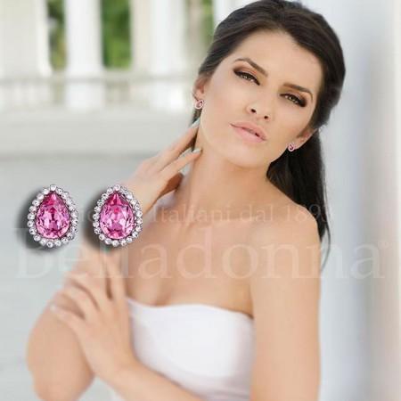 Cercei-mici-decorati-cu-cristale-roz