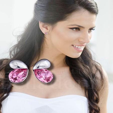 Cercei-model-aripi-de-fluture-roz