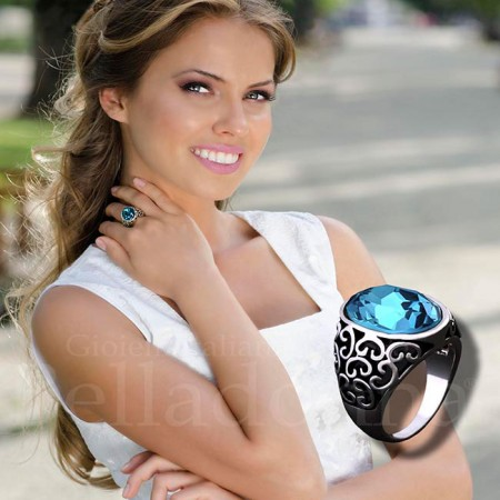 Inel-tridimensional-argintiu-cu-cristal-mare